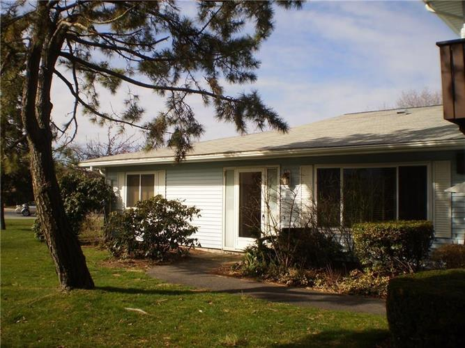 31 Fox Ridge Crescent, Warwick, RI 02886 - Image 1