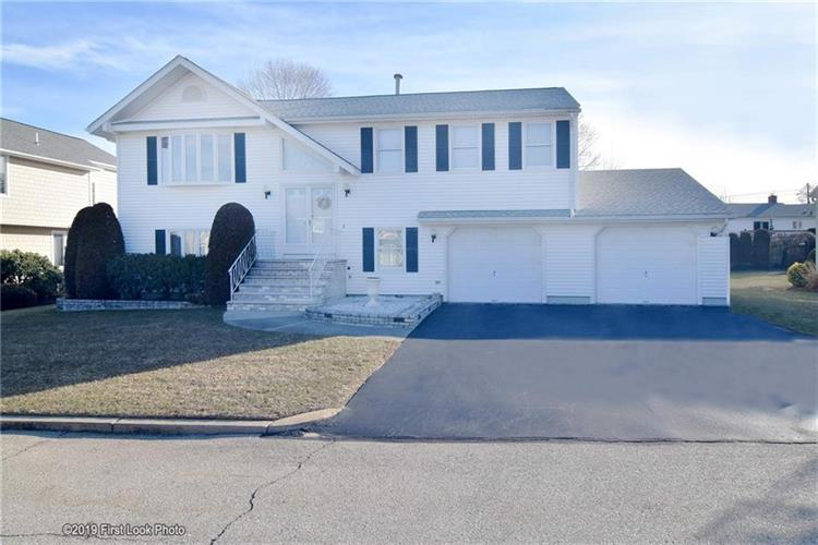 12 East Lakeview DR, North Providence, RI 02904 - Image 1