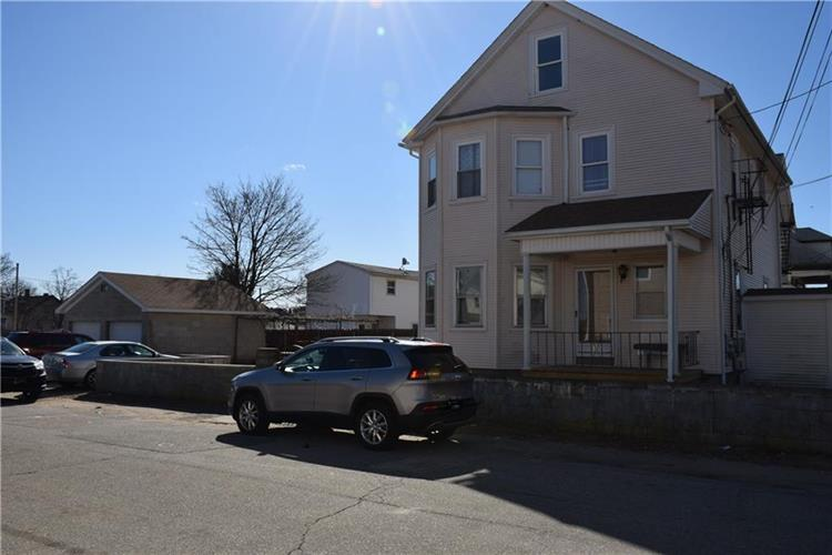 11 Fort ST, East Providence, RI 02914 - Image 1