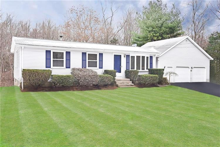 2005 Middle RD, East Greenwich, RI 02818 - Image 1
