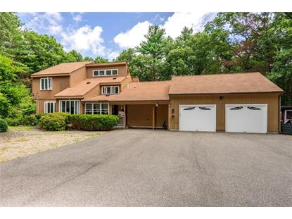 105 Maureen CIR, Burrillville, RI