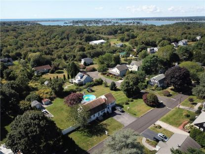 14 Hollywood AV Narragansett, RI MLS# 1259370