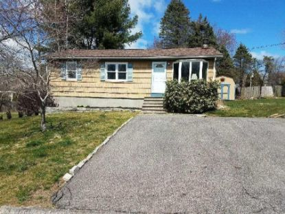 25 yellow birch RD Narragansett, RI MLS# 1260398