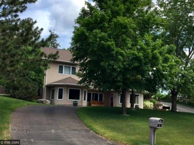 206 Ridge Drive, Brainerd, MN 56401