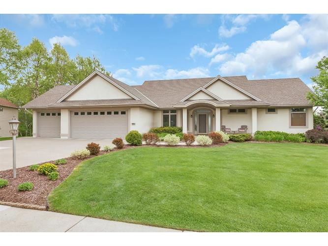 1647 Highland Trail, Saint Cloud, MN 56301
