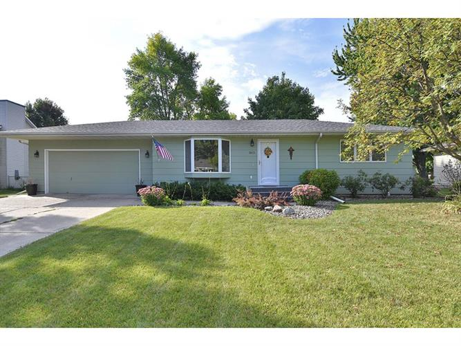 1415 Greenwood Place, Faribault, MN 55021