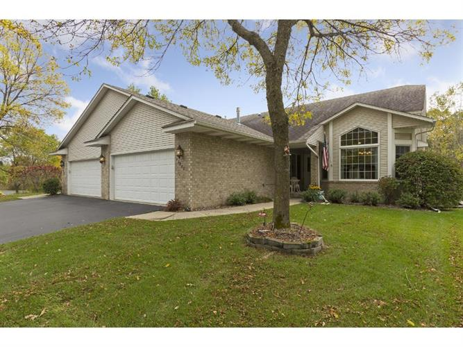 12882 Falcon Drive, Apple Valley, MN 55124