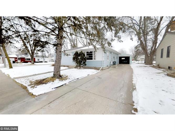 601 Olena Avenue SE, Willmar, MN 56201