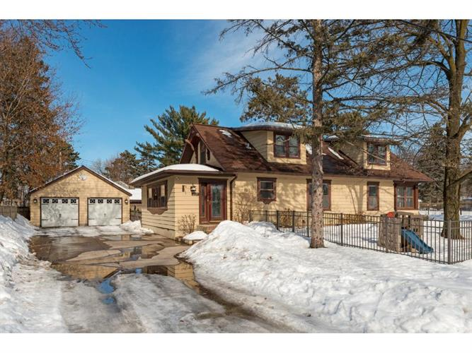 2011 Rishworth Lane, White Bear Lake, MN 55110