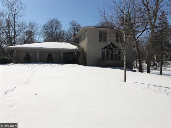 17005 32nd Avenue N, Plymouth, MN 55447