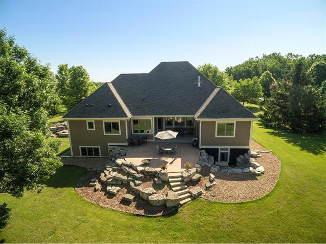 790 Jasmine Avenue N, Lake Elmo, MN 55042