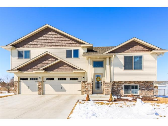 1259 Meadow Parkway, Mayer, MN 55360