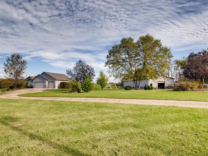 26105 Fairlawn Avenue, Webster, MN 55088