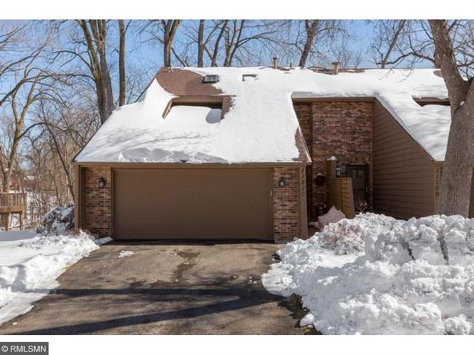 11210 36th Place N, Plymouth, MN 55441