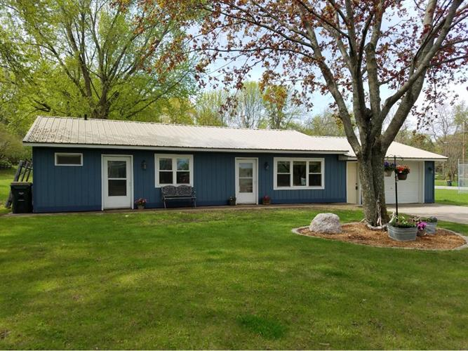 816 Paquin Street E, Waterville, MN 56096