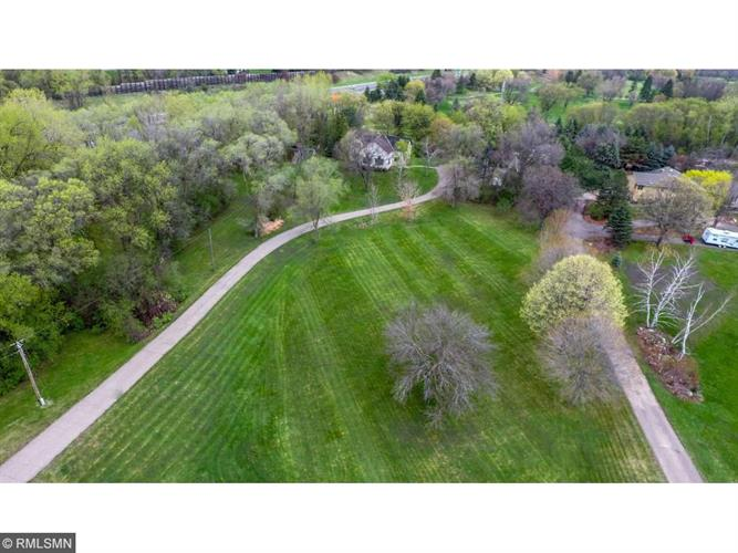 Wagon Wheel Trail, Mendota Heights, MN 55120