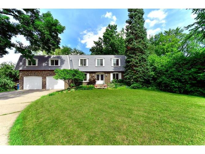 15919 Woodgate Road N, Minnetonka, MN 55345