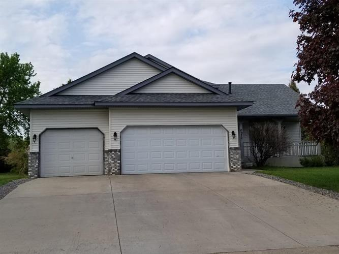 8930 Woodhall Circle, Brooklyn Park, MN 55443