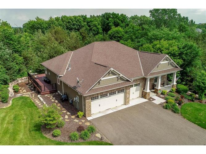 1 Pinnacle Bay, Hudson, WI 54016