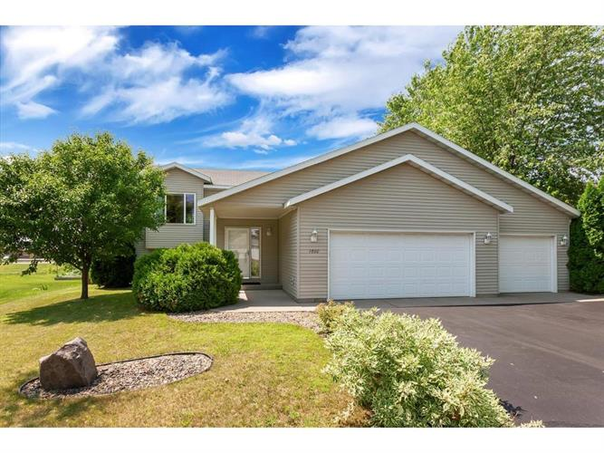 1860 Eastern Star Loop, Sauk Rapids, MN 56379
