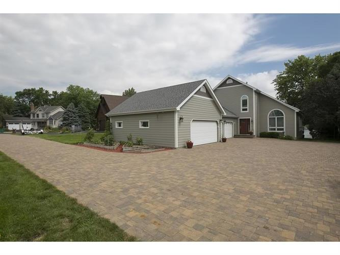 2963 Terrace Circle SW, Prior Lake, MN 55372
