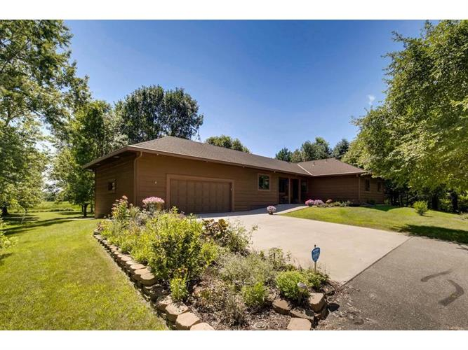 5230 Verde Valley Road NW, Nowthen, MN 55303