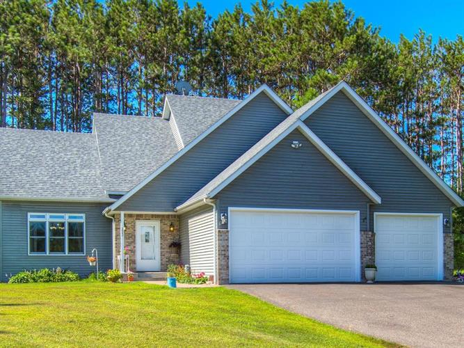 202 Red Pine Drive, Somerset, WI 54025