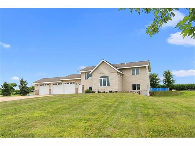 1091 County Road N, Roberts, WI 54023