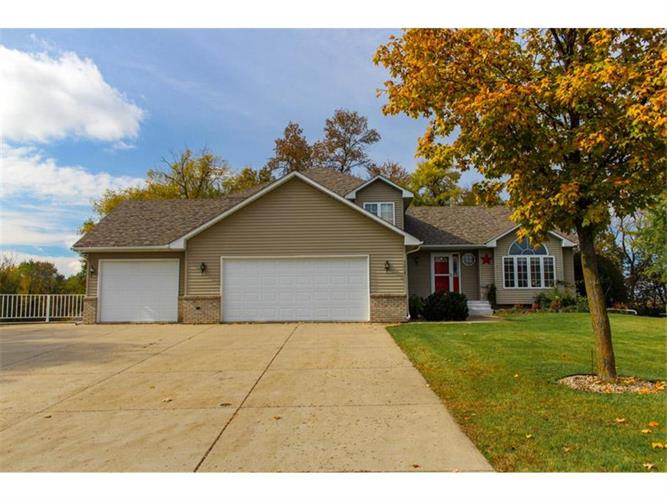 1215 Shoreline Drive, Howard Lake, MN 55349