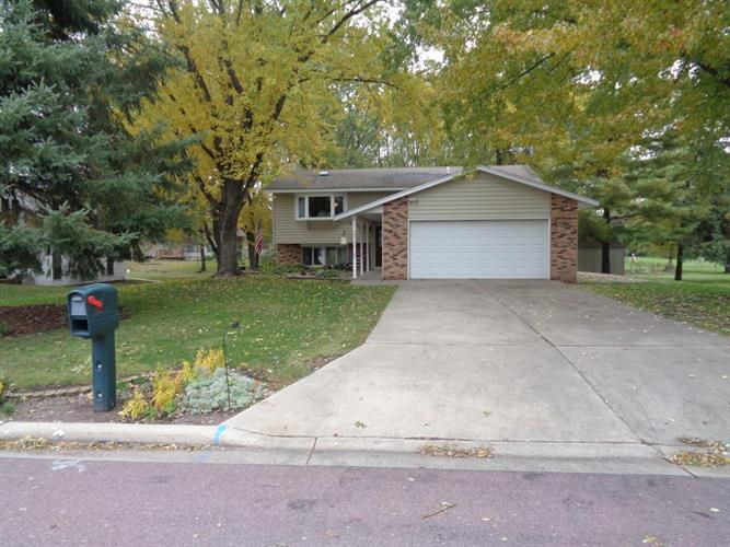 601 NE 19th Avenue NE, Waseca, MN 56093