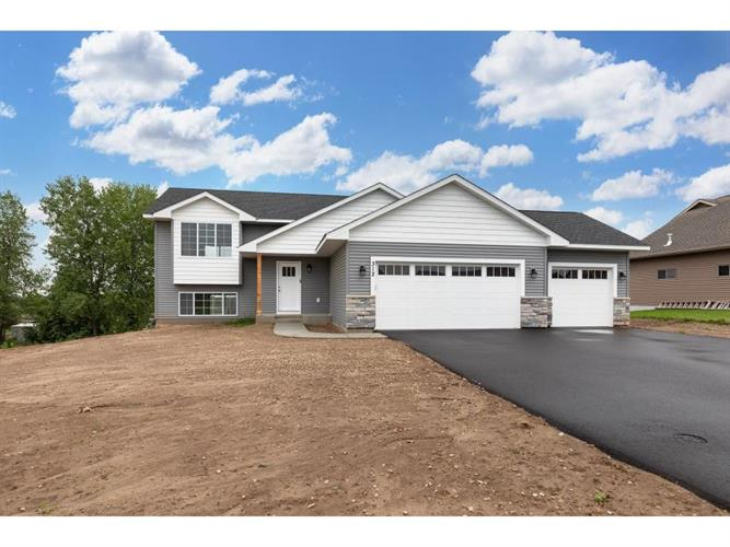 1007 Wyoming Street Roberts Wi 54023 For Sale Mls 5131859