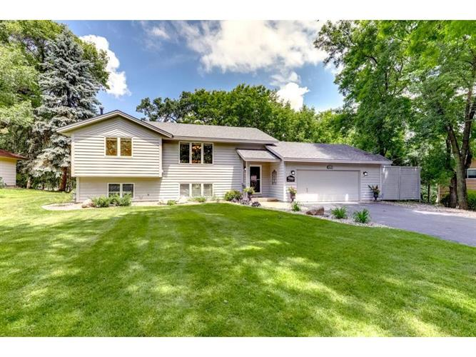 6750 Rustic Road SE, Prior Lake, MN 55372 - Image 1