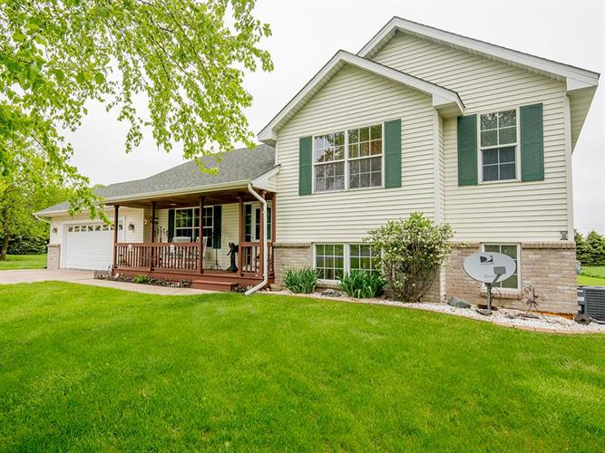 11970 565th Avenue, Oak Grove, WI 54021 - Image 1