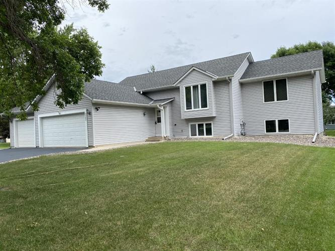 9584 Niagara Lane N, Maple Grove, MN 55369 - Image 1