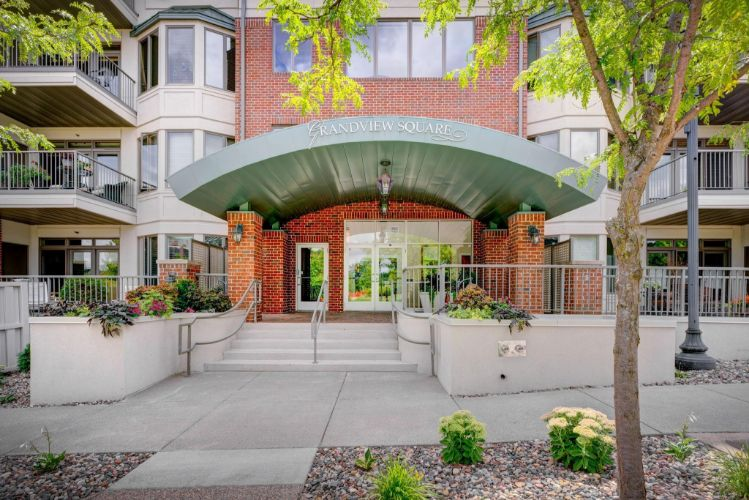 5275 Grandview Square, Edina, MN 55436 - Image 1