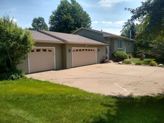 827 Harbor View Road, Hudson, WI 54016 - Image 1