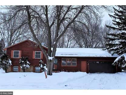 1712 James Court, North Mankato, MN