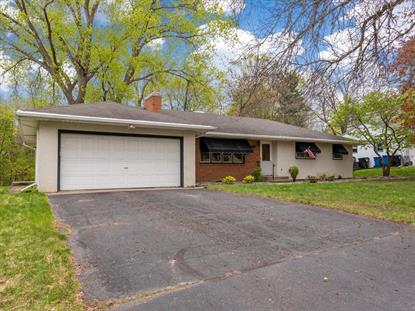 669 23rd Avenue NW New Brighton, MN MLS# 5567054