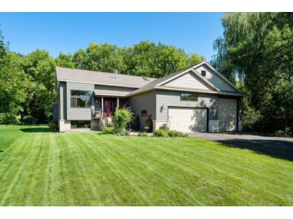 717 Ashley Drive Chaska, MN MLS# 5577866