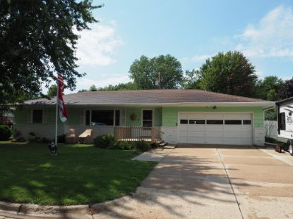 1070 Lincoln Avenue Owatonna, MN MLS# 5640308