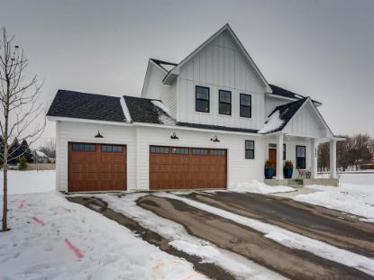 2240 Bentz Court Chanhassen, MN MLS# 5700192