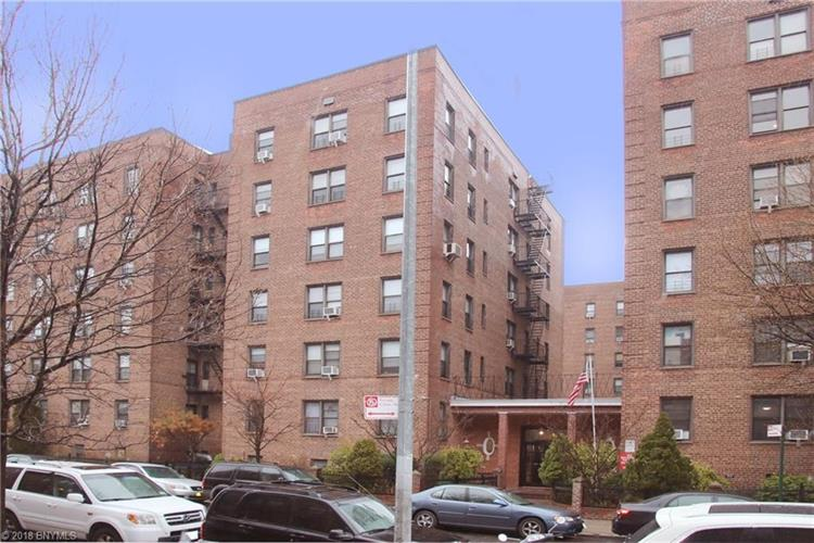 37-27 86 St, Jackson Heights, NY 11372