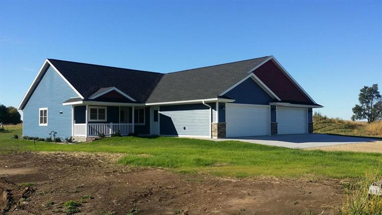 315 16TH FAIRWAY CIR, Viroqua, WI 54665
