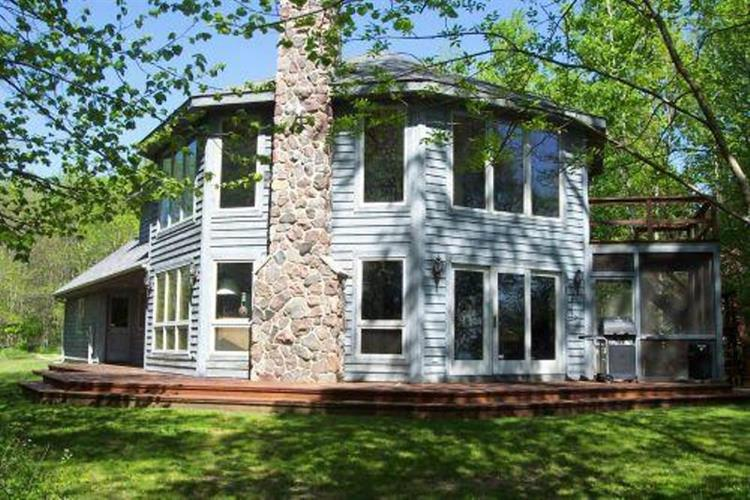 140 Hidden Bluff Rd, Cedar Grove, WI 53013