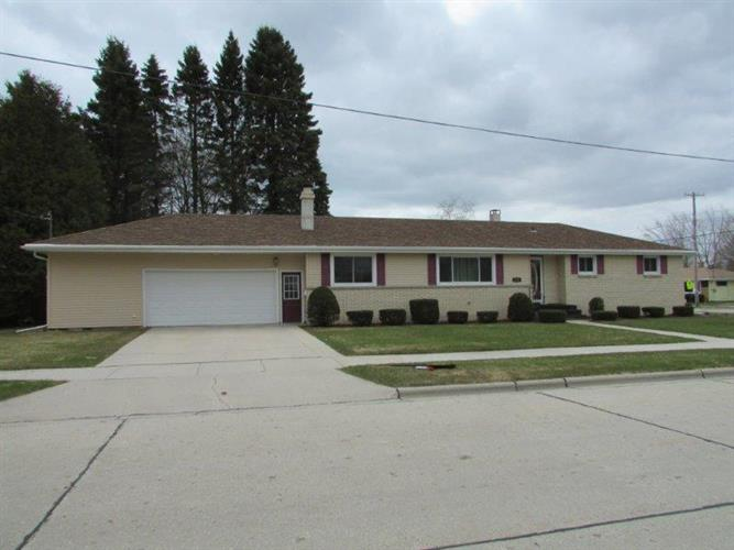 2135 35th St, Two Rivers, WI 54241