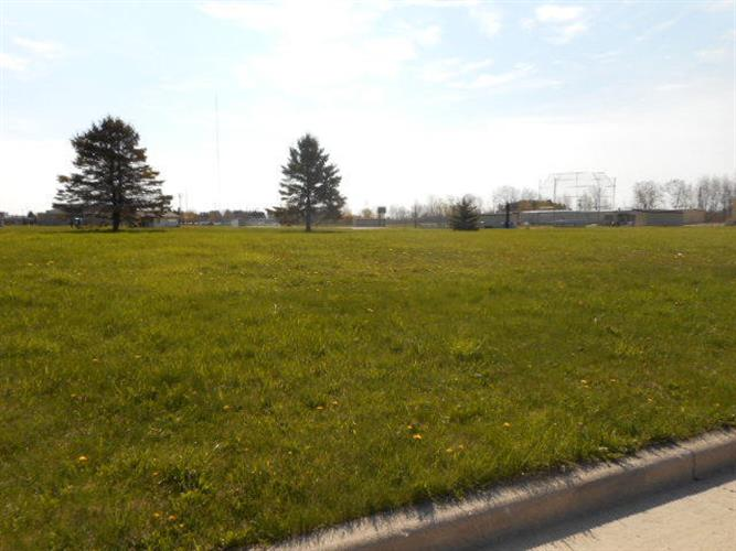 Lot 2A Zimmer DR, Manitowoc, WI 54220
