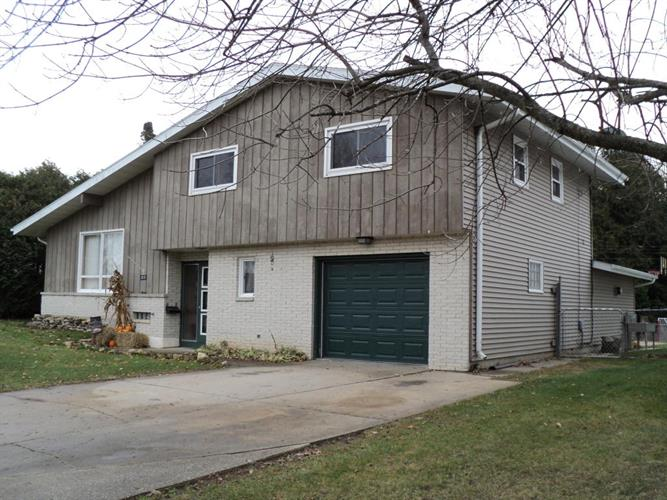 2819 34th St, Two Rivers, WI 54241