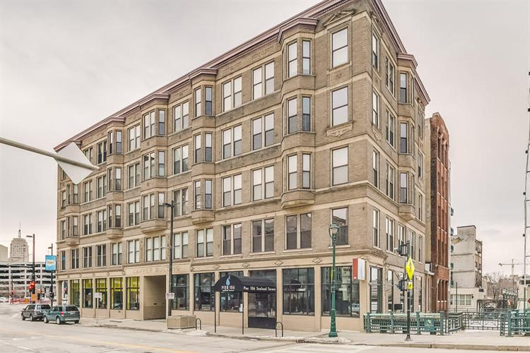 108 W Wells St, Milwaukee, WI 53203