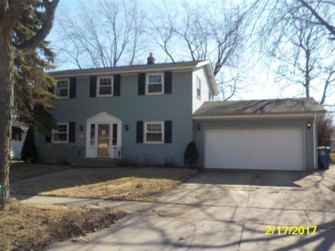 2251 E Poplar AVE, Oak Creek, WI 53154