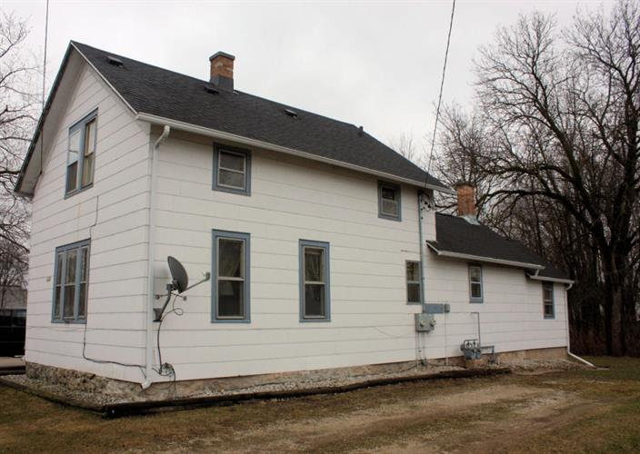 1163 Center Ave, Oostburg, WI 53070
